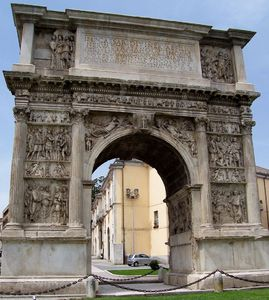 1024px-Benevento-Arch_of_Trajan_from_North.jpg