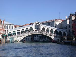 Venezia_-_Ponte_di_Rialto.jpg