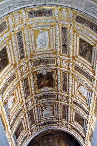 Scala_d'oro,_stucchi_di_alessandro_vittoria_con_affreschi_di_g.b._franco,_finita_nel_1566,_04.JPG