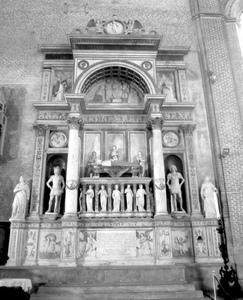 Lombardo_Workshop,_Tomb_of_Andrea_Vendramin,_Santi_Giovanni_e_Paolo,_Venice.jpeg