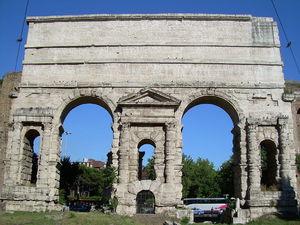 1024px-Porta_Maggiore_Roma.JPG