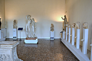 http://library.bc.edu/venetianart/plugins/Dropbox/files/Museo_archeologico_nazionale_(Venezia)_WLM_012.jpeg